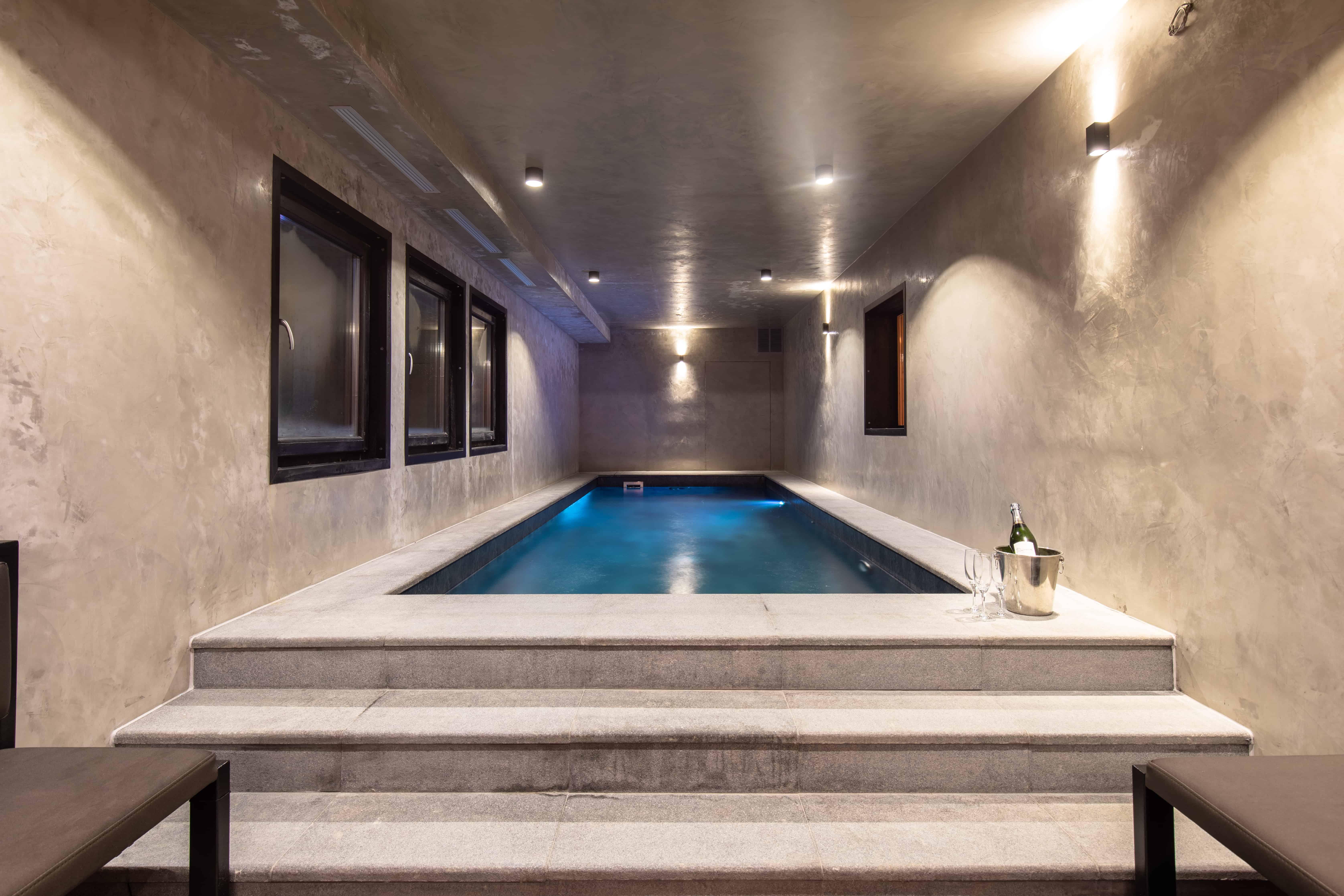 Chalet Monts avec sublime piscine intérieur à Tignes