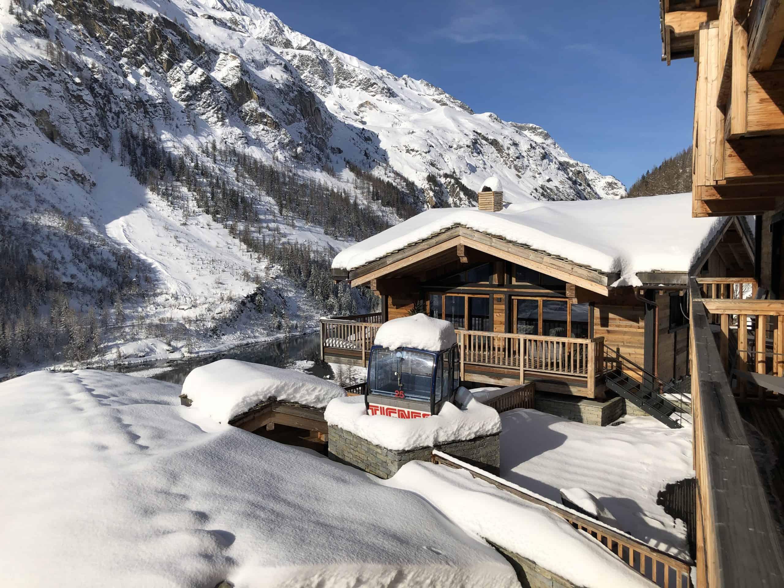 Un chalet de luxe avec vue sur la montagne