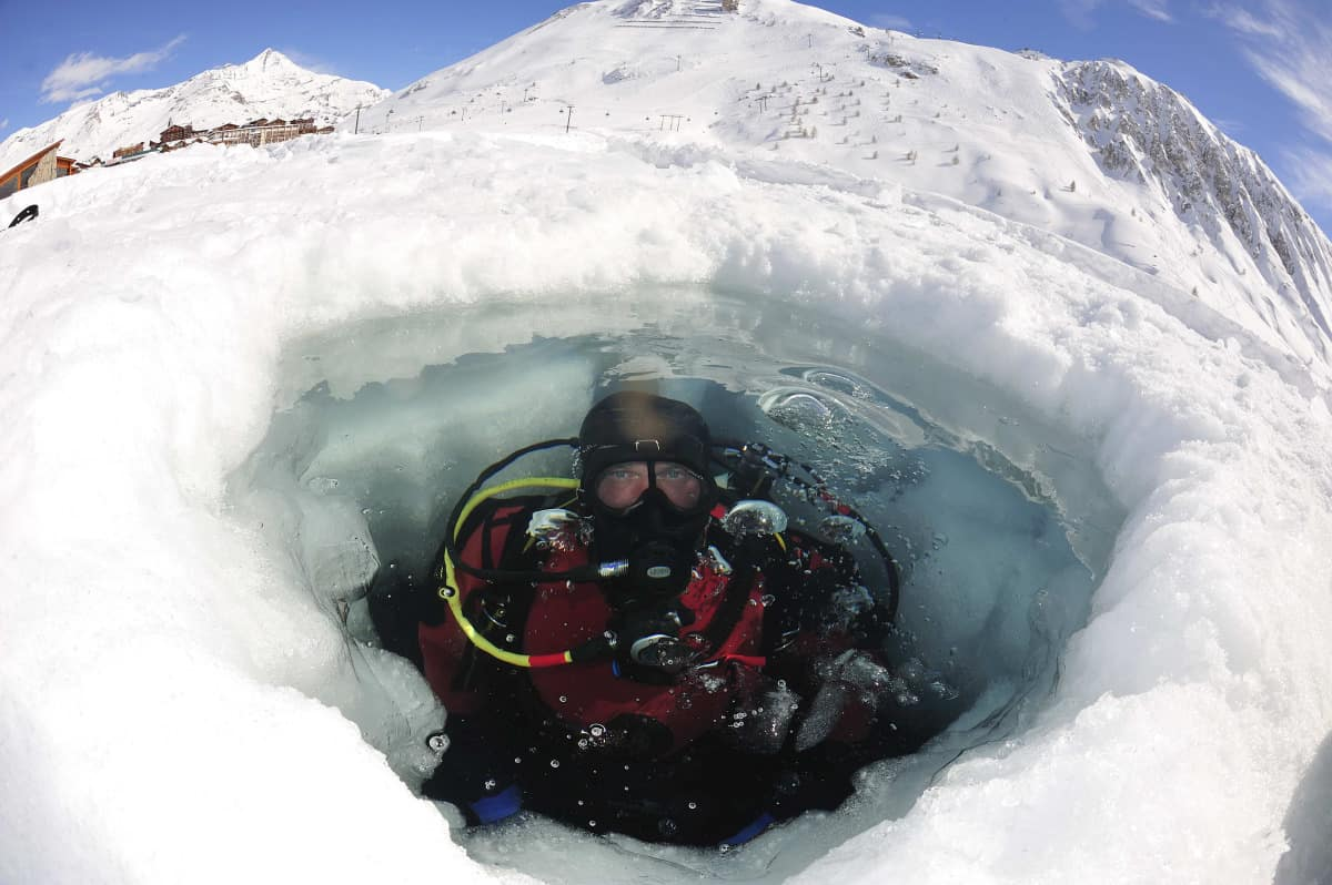 Le plongée sous glace à Tignes sans remontées mécaniques